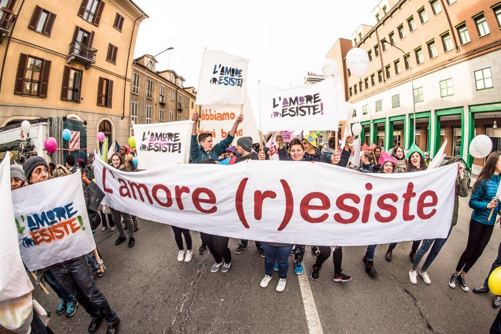 Porta Palazzo porta di pace, marcia di bambini e ragazzi organizzata dal Sermig - Torino 29 dicembre 2017