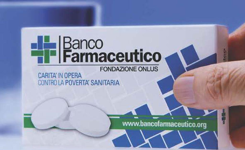 Torna a Torino la giornata di raccolta del farmaco: contribuisce anche mons. Nosiglia