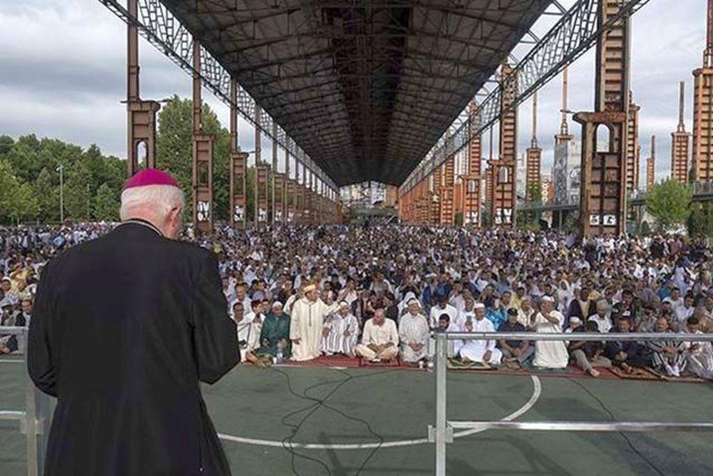 Mons. Nosiglia ai fratelli e sorelle musulmani: «Auguri di gioioso 'Id al-Fitr»