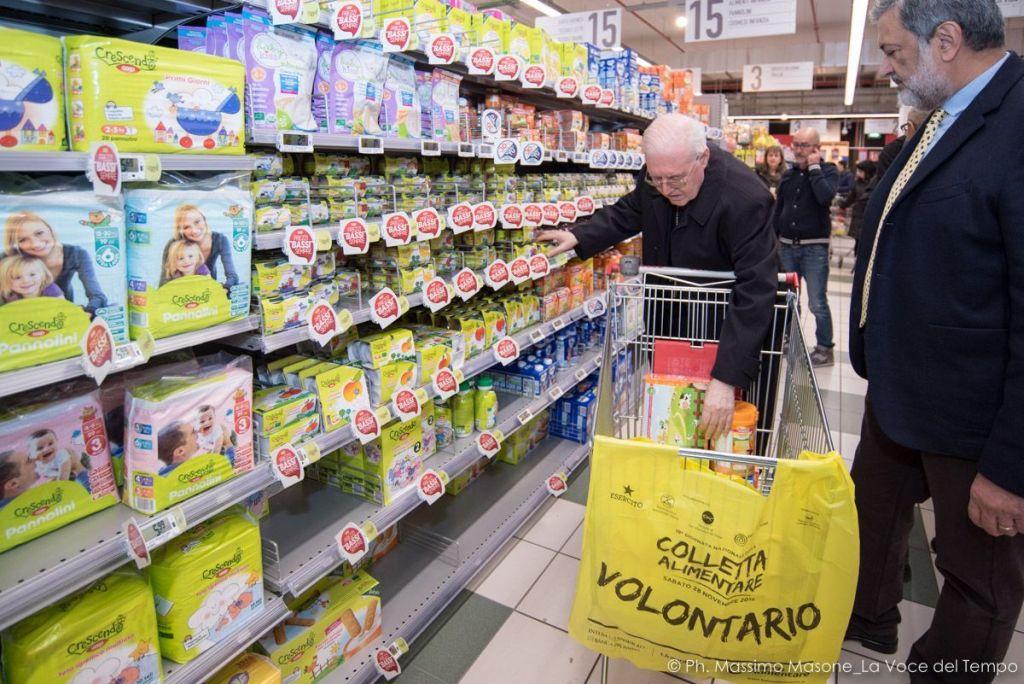 Diocesi Torino: anche l'Arcivescovo partecipa alla giornata nazionale della Colletta alimentare