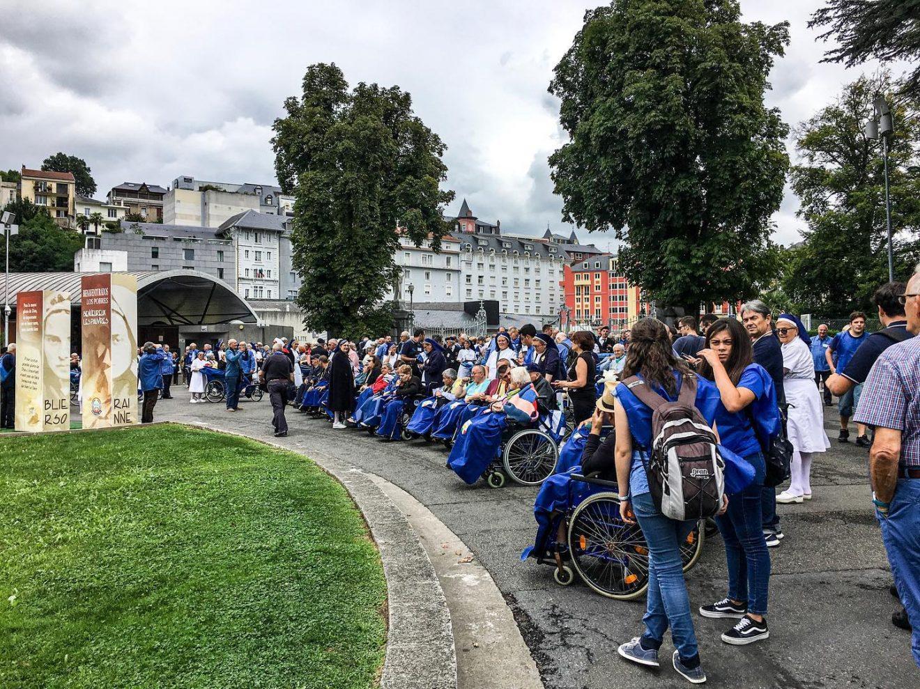 Pellegrinaggio diocesano a Lourdes guidato da mons. Nosiglia: primo giorno in Francia (2 settembre 2019)
