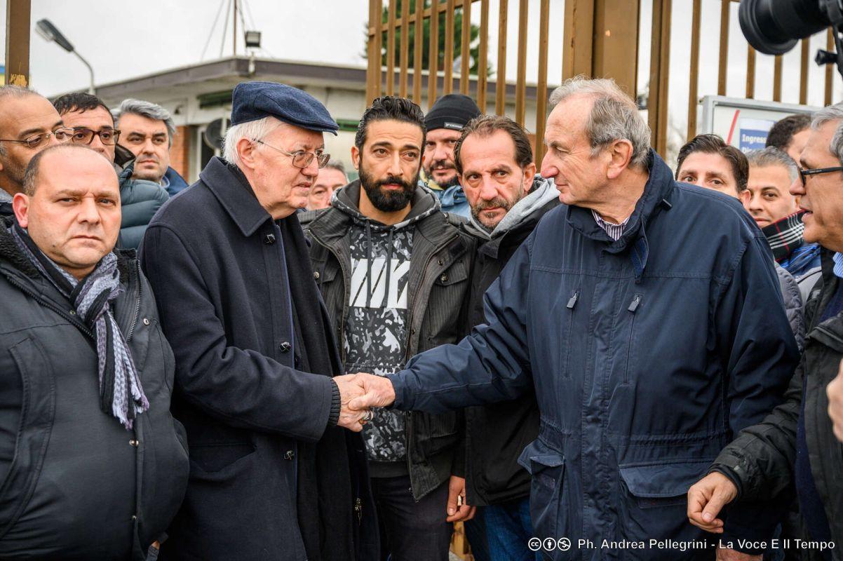 Diocesi Torino: mons. Nosiglia con i lavoratori della ex Embraco a Chieri