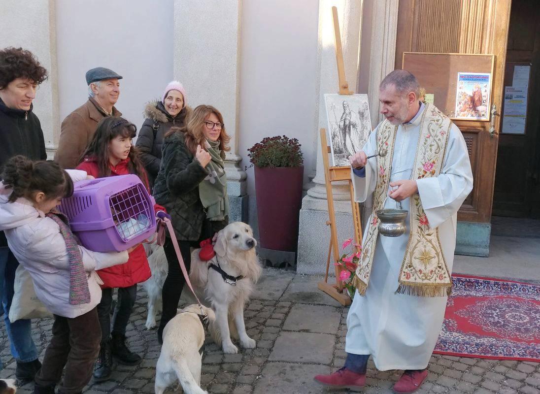 Diocesi Torino: benedizione degli animali domestici a Cavoretto nel 2019