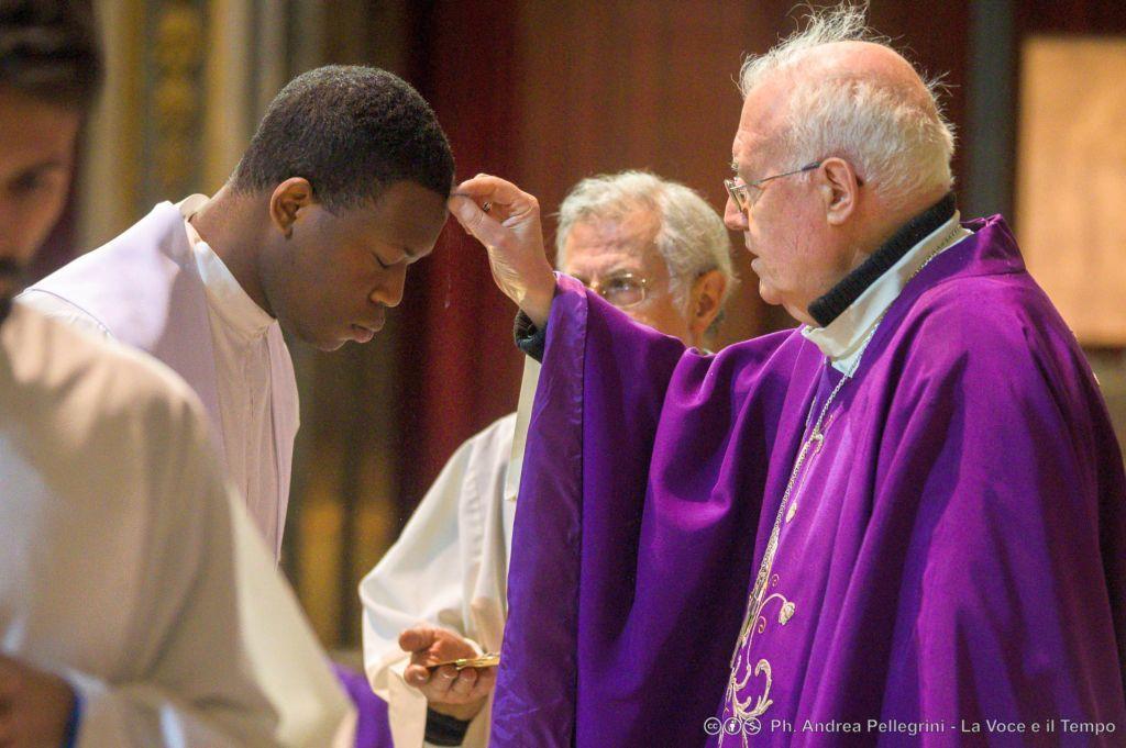 Diocesi Torino: rito della Ceneri in Cattedrale nel 2019